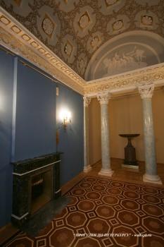 Малый кабинет графини С. В. Строгановой в Строгановском дворце. 2010.02.28.
