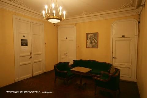 Фойе в особняке Д. Е. Бенардаки. 2009.11.29.