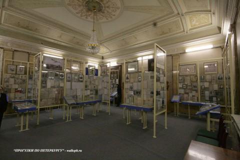 Чернега А.В., Музей Института восточных рукописей. 27.04.2012.