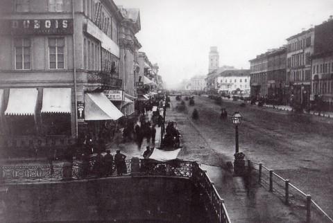 Неизвестный фотограф, Перспектива Невского проспекта с Полицейского моста в сторону Городской думы. 1863 год.