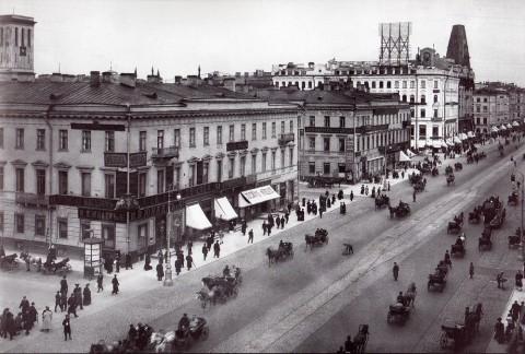 Неизвестный фотограф, Перспектива Невского проспекта у Казанского собора. До 1917 года.