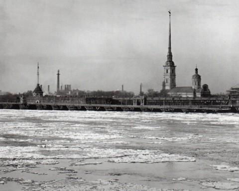 Фотоателье Буллы, Вид на Петропавловскую крепость. До 1903 года.