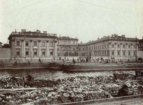 Булла К. К., Фонтанка, д. 118, бывшая усадьба Г. Р. Державина. 1900-е годы.