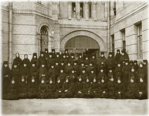 Фотоателье Буллы, Монахини Иоанновского монастыря. 1910-е годы.