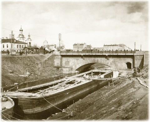 Булла К. К., Новокаменный мост через Обводный канал. 1900-е годы.