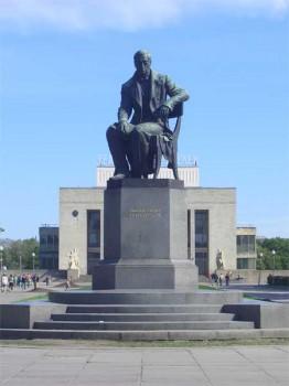 Памятник А. С. Грибоедову. 2006.06.12.