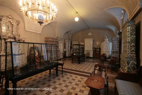 Зал музея СПбГХПА. 2009.01.22.