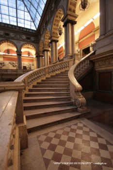 Лестница Большого выставочного зала. 2009.01.22.