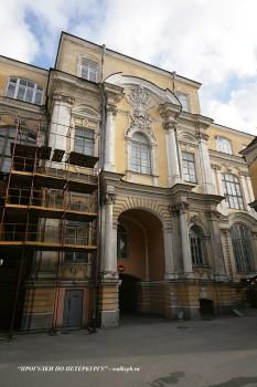 Чернега А.В., Боковой фасад Воронцовского дворца. 03.10.2009.
