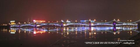 Троицкий мост ночью.