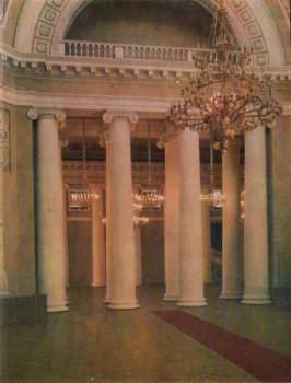 Куполный зал. Хоры и колоннада у входа в Колонней зал.