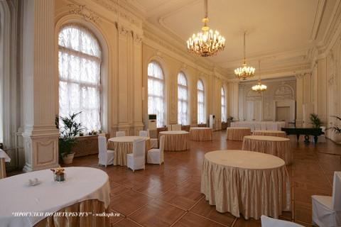 Столовый зал в Николаевском дворце. 2009.09.06.