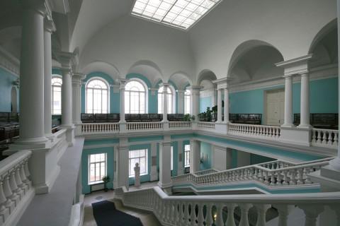 Парадная лестница здания ВСЕГЕИ. 2009.04.23.