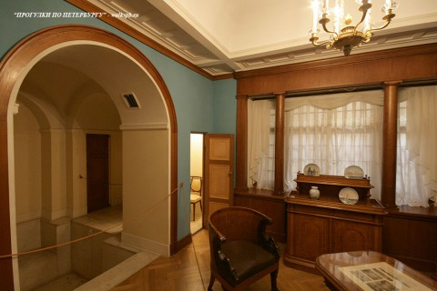 Кабинет в Юсуповском дворце. 2011.04.16.
