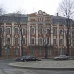 Двенадцати коллегий здание