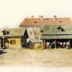 Левая часть двора в доме Матушки