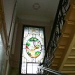 Парадная лестница и витраж в особняке Н. Н. Башкирова