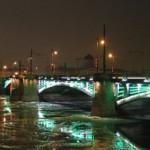 Биржевой мост ночью