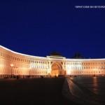 Здание Главного штаба ночью