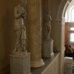 Скульптуры на парадной лестнице особняка Зубова