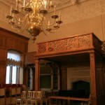 Камин в Дубовом зале дворца Белосельских-Белозерских