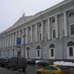 пл. Островского, 1