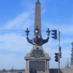 Обелиск на Троицком мосту
