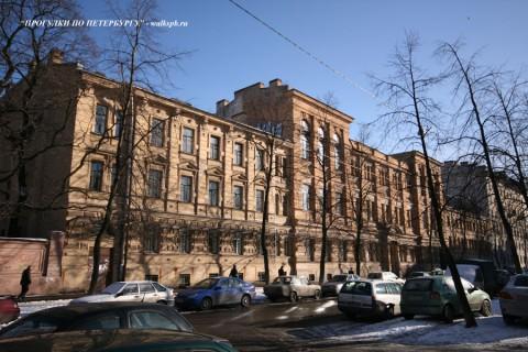 Здание Бестужевских курсов (10 линия ВО, 35). 2008.02.19.