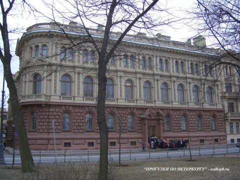 Дворец вел. кн. Михаила Михайловича. 2006.04.15.