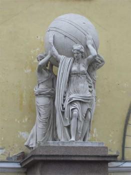 Скульптура у Адмиралтейства. 2007.03.17.