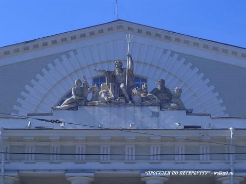 Скульптурная группа на фронтоне здания Биржи. 2006.03.09.