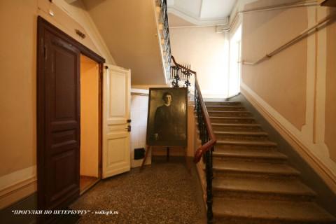 Парадная лестница. 2008.04.06.