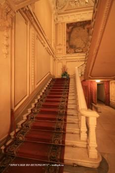 Парадная лестница в особняке А. А. Половцова. 2009.01.18.