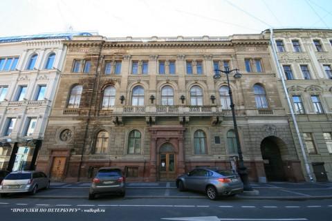 Чернега А.В., Большая Морская ул. 32. 22.07.2012.