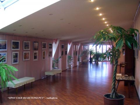 Выставочный зал музея-фотосалона им. К. К. Буллы.