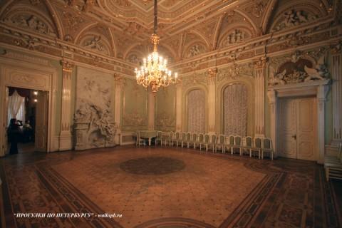 Танцевальный зал в особняке А. Ф. Кельха. 2008.11.04.