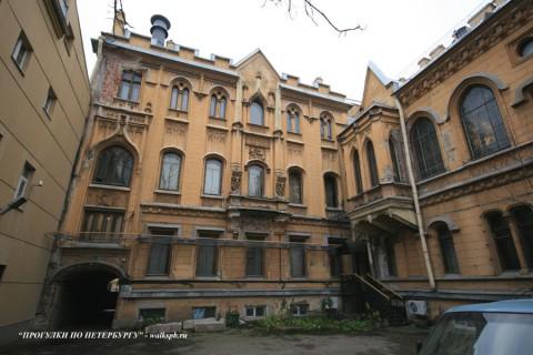 Дворовой фасад особняка А. Ф. Кельха. 2008.11.04.