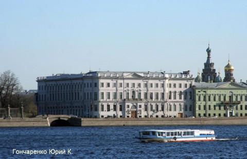 Гончаренко Ю.К., Дворцовая набережная, дом Бецкого.