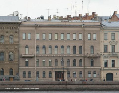 Чернега А.В., Дворцовая наб. 28. 15.07.2012.