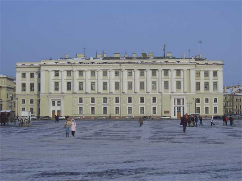 Здание Штаба Гвардейского корпуса.