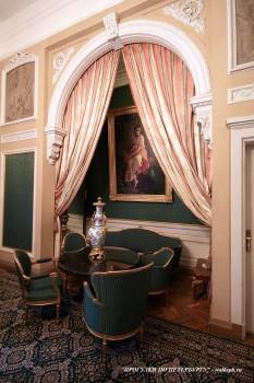 Спальная комната во дворце вел. кн. Владимира Александровича. 2009.04.11.
