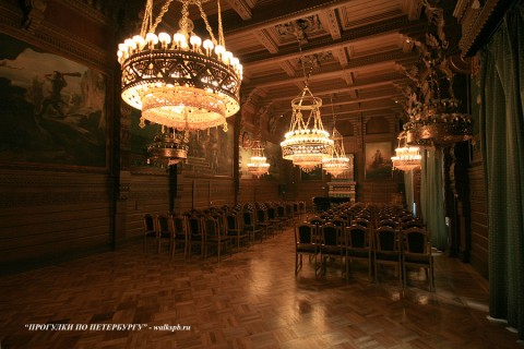 Дубовый зал во дворце вел. кн. Владимира Александровича. 2009.04.11.