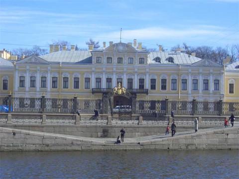Шереметевский дворец. 2006.09.04.