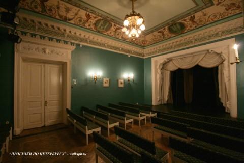 Зал в доме Кочневой. 2009.11.26.