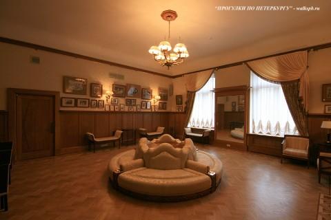 Кабинет в особняке В. С. Кочубея. 2009.05.14.