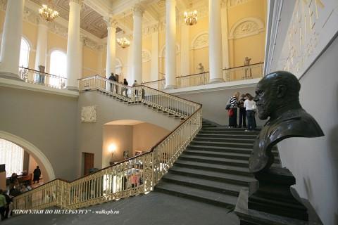 Парадная лестница. 2009.04.11.