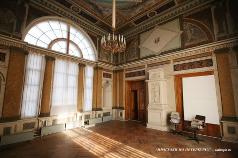 Зал в усадьбе Безобразовых (Жерновке). 2008.02.26.