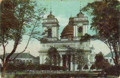 Троицкий собор Александро-Невской лавры.
