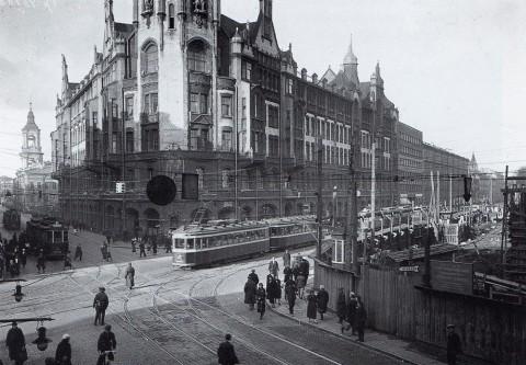 Неизвестный фотограф, Улица 3 Июля (Садовая) на пересечении с проспектом Майорова (Вознесенский пр.). 1936.