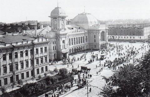 Пресняков, Площадь перед Витебским вокзалом. 1935.
